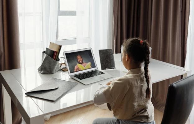 a child attending online school 5