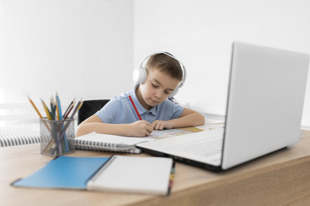 a child attending online school