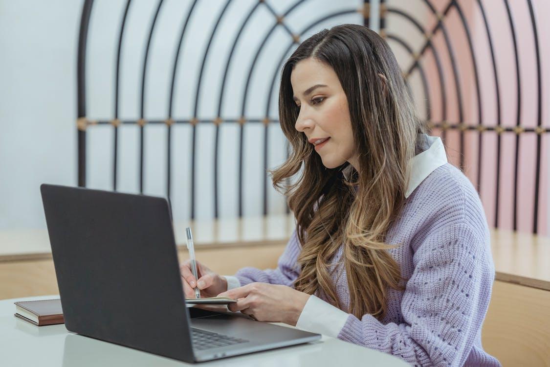 a parent setting up an online planner